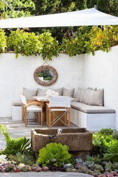 Uma espaço gostoso de meditação no jardim...