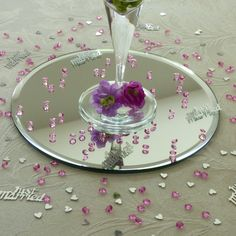 Circular 20cm mirror plate to display your wedding centrepieces on.