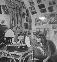 Beatle Fans in 1964