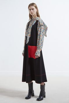 JOSEPH Fashion, Pre-Autumn Winter 2017 Womenswear Collection, Look 16 // Creative Direction: Louise Trotter. Styling: Jane How. Photography: Bibi Borthwick. Model: Julie Hoomans //
