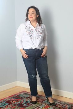 Stitch Fix Review: plus size offerings from Stitch Fix including designer jeans, maxi dresses, and trendy pieces like trench vests.