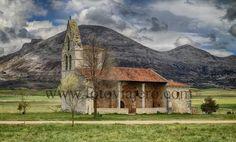 #Pisón de #Castrejón , provincia de #Palencia Iglesia de Nuestra Señora de la #Asunción al fondo la Sierra de la Peña #románico #MontañaPalentina