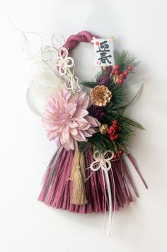 SALE 数量限定【T2 2017年新作・お正月しめ縄飾り】タッセル型 ワイン Christmas Crafts For Kids, Christmas Diy, Christmas Wreaths, Diwali Decorations, New Years Decorations, Xmas Holidays, Holidays And Events, Diy Flowers, Paper Flowers