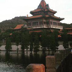 #chine #china #guangdong #chinesegarden #chinesearchitecture #traditional…