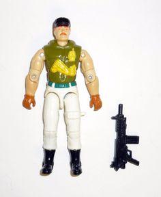 G I JOE BODY PART 1993 V2   M Bison     Left Arm      C8.5 Very Good