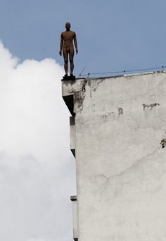 'Queria fazer a ponte mais curta entre vida e arte', diz Antony Gormley