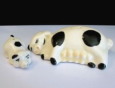 TREVEWOOD POTTERY ~ MOMMA & BABY PIG ~ Vintage Salt And Pepper S&P Shaker Set