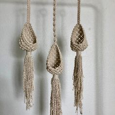 Plant Hanger Pods - All For Herbs And Plants Macrame Design, Macrame Art, Macrame Projects, Macrame Knots, Diy Plant Hanger, Macrame Curtain, Macrame Patterns, Etsy, Knitting
