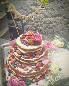 今日のケーキ その② 2016.3.12 #maicake  #お客様のご要望で #ネイキッドケーキ というらしい