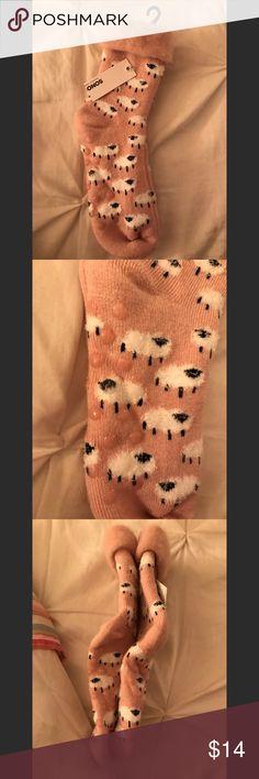 Lamb slipper socks Women's size 9-11 Sono brand by kohls kohls Accessories Hosiery & Socks