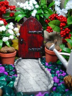 Fairy Door plus small pathway - Garden Sculpture -Die stone cast