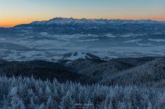 Zimowy, pienińsko - gorczański trekking wieża widokowa na Lubaniu
