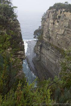 Devils Kitchen. Eaglehawk Neck, Tasmania.