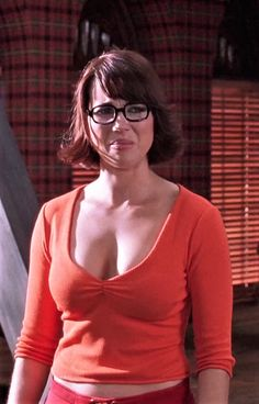 Velma Scooby Doo, Scooby Doo Movie, Beautiful Celebrities, Beautiful People, Sexy Velma, Daphne And Velma, Jennifer Aniston Style, Velma Dinkley, Tv Girls