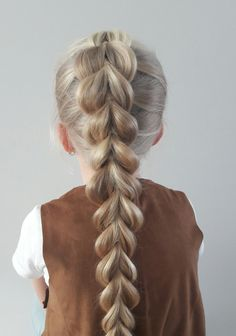 haar kinderen meisjes French Pull-Through Braid tutorial Easy Toddler Hairstyles, Cute Hairstyles For Kids, Hairstyles For School, Girl Hairstyles, Easy Hairstyles, Hair Lights, Light Hair, Braids For Kids, Girls Braids