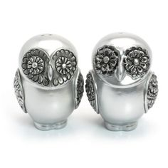 Image from http://static.artfire.com/uploads/product/3/903/36903/5436903/5436903/large/silver_metallic_owl_lover_cake_topper_home_decor_centerpiece_at00001_95fc9374.jpg.