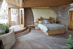 Carson Rim Rd, Taos, NM 87571 Another extremely beautiful Earthship home bedroom Wythe a big cob house! MehrAnother extremely beautiful Earthship home bedroom Wythe a big cob house! Earth Bag Homes, Adobe House, Natural Building, Green Building, Cob Building, Natural Home Decor, Design Case, Home Bedroom, Bedroom Ideas