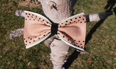 Hair bow Real leather Polka dots Barrette clip Retro by Zozelarium Barrette Clip, Real Leather, Hair Bows, Pin Up, Polka Dots, Hair Accessories, Retro, Trending Outfits, Brown