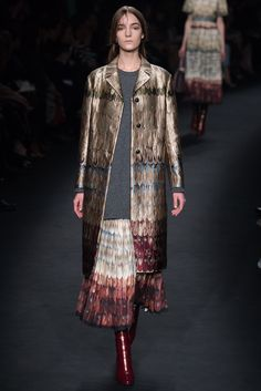 Valentino Fall 2015 Ready-to-Wear