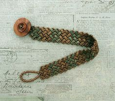 "Half-tila ""Herringbone Bracele""t - links to videos & tute ~ Seed Bead Tutorials"