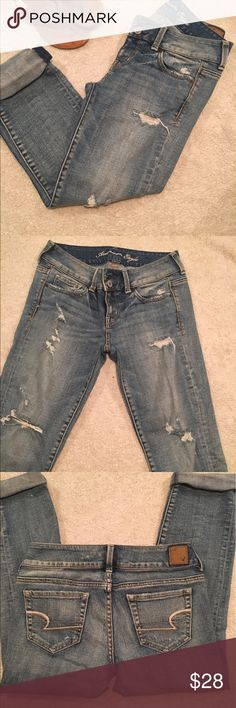 """American eagle Capri jeans EUC only worn once or twice. """"Artist"""" style. Size 2. Measures 32"""" in length American Eagle Outfitters Jeans Ankle & Cropped"""