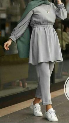 Pin by asoom queen on outfits in 2019 hijab fashion, muslim fashion, hijab Hijab Fashion Summer, Modest Fashion Hijab, Modern Hijab Fashion, Street Hijab Fashion, Casual Hijab Outfit, Hijab Fashion Inspiration, Muslim Fashion, Mode Inspiration, Fashion Outfits