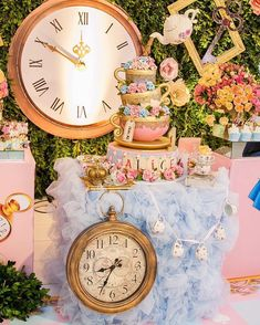 Beautiful Alice in Onederland birthday party setup Alice In Wonderland Decorations, Alice In Wonderland Cakes, Alice In Wonderland Wedding, Alice In Wonderland Tea Party Birthday, Wonderland Party, Winter Wonderland, 1st Birthday Party For Girls, Birthday Ideas, Mad Hatter Party