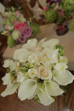 Bridal bouquet ... Ok,HERE is a nice combo!  Now add silver ...