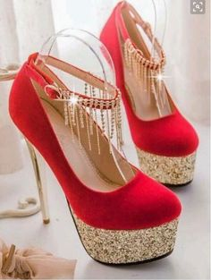 Elegant Rhinestone Embellished Metallic High Heels In Black And Red - High Heels - Schuhe Pretty Shoes, Beautiful Shoes, Cute Shoes, Me Too Shoes, Beautiful Pictures, Metallic High Heels, Black High Heels, Crazy High Heels, Red High