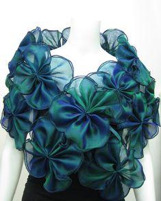 Sari Blouse Designs, Fancy Blouse Designs, Stylish Dress Designs, Stylish Dresses, Baby Dress Design, Indian Fashion Dresses, Silk Shawl, Silk Organza, How To Wear Scarves