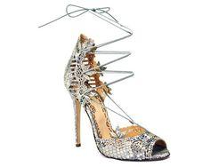 Bride Style coleção de sapatos para festa da Marchesa em matéria completa com looks para noivas e madrinhas! Clique aqui: http://www.bridestyle.com.br/moda/sapatos-para-noivas-e-madrinhas-by-marchesa/  #shoes #sapatos #noivas #bride