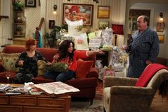Episode of Mike & Molly  Black/Ecru Toile lounge set and Sailboat print robe