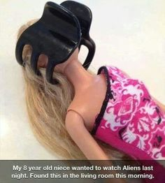 Funny pictures about Barbie facehugger. Oh, and cool pics about Barbie facehugger. Also, Barbie facehugger. Alien Pictures, Funny Pictures, Funny Images, Just For Fun, Just For Laughs, Old Watches, Alien Vs, 8 Year Olds, Haha Funny