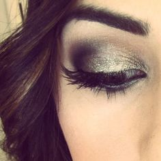 Gold/Brown Glitter Smoky Eye  http://leadingladymakeup.com/2012/12/30/new-years-eve-makeup-sparkly-smoky-eyes/