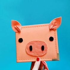 diy piggy scrapbook...! perfect for the expectant-mama-pig-lover in my life