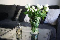 Ylellisyyttä kotiin Living Huonetuoksulla | Dermoshop Blog #scandinavian #interior Glass Vase, Home Decor, Decoration Home, Room Decor, Home Interior Design, Home Decoration, Interior Design