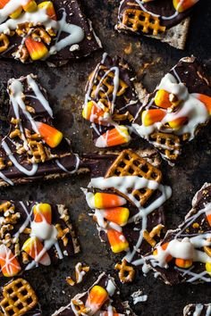 Candy Corn Bark | www.jellytoastblog.com | #halloween #fall #dessert #easy