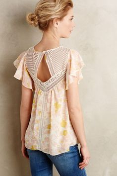 Fluttered Flores Blouse Anthropologie by Anna Proctor Print & Pattern Ltd Look Fashion, Fashion Beauty, Fashion Outfits, Lolita Fashion, Beautiful Outfits, Cute Outfits, Emo Outfits, Summer Outfits, Modelos Fashion