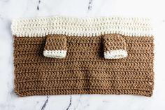 How to Crochet Baby Yoda - A Free Amigurumi Pattern - Sarah Maker Crochet Amigurumi Free Patterns, Crochet Doll Pattern, Crochet Dolls, Crochet Baby, Free Crochet, Star Wars Crochet, Baby Sewing Projects, Bobble Stitch, Maker