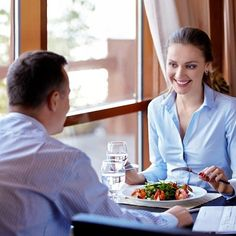 Business Dinner Abroad? A Crash Course in European Dining Etiquette