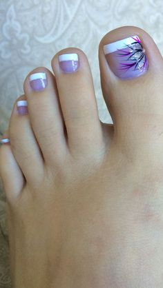 Nagel Kunst 29 Ideas French Pedicure designs toenails with pretty toenail art # designs # pr Pretty Toe Nails, Cute Toe Nails, Toe Nail Art, Fun Nails, Pretty Toes, Purple Toe Nails, Purple Toes, French Pedicure Designs, Toenail Art Designs