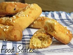Food States: Αλμυρά κουλουράκια Cookie Dough Pie, Greek Sweets, Greek Cooking, My Cookbook, Greek Recipes, Healthy Desserts, Hot Dog Buns, Finger Foods, Cookie Recipes
