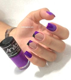 Want some ideas for wedding nail polish designs? This article is a collection of our favorite nail polish designs for your special day. Aycrlic Nails, Manicure And Pedicure, Cute Nails, Pretty Nails, Nail Polish Designs, Nail Art Designs, Wedding Nail Polish, Gel Nails At Home, Luxury Nails