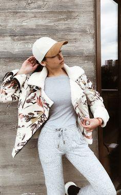 #fashion #instafashion #fashionista #fashionblogger #fashionable #fashiondiaries #fashionblog #fashionweek #fashionstyle #fashionshow #black  #outfit #outfitoftheday #outfits #outfitpost #instastyle #instafashion #zara #look #lookbook #lookoftheday #fashion #fashiongram #style #beautiful #whatiwore #whatiworetoday #clothes #mylook #mylooktoday #todayimwearing #fashionpost #todaysoutfit #fashiondiaries Zara Blazer, Outfit Posts, What I Wore, Outfit Of The Day, Fashion Show, Outfits, Clothes, Beautiful, Black