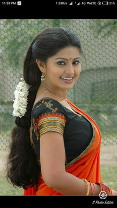 🌟 Sneha Prasanna Beautiful HD Photoshoot Stills [Android/iPhone/iPad HD Wallpapers] 🌟This website includes Famous People India, Famous People in India, Famous People of India, Famous People From India and World.Beautiful lady got a supercut. Beautiful Girl Indian, Most Beautiful Indian Actress, Beautiful Saree, Beautiful Women, Beautiful Bollywood Actress, Beautiful Actresses, Beauty Full Girl, Beauty Women, Sneha Actress