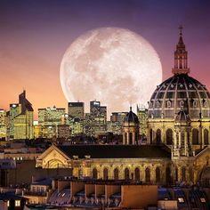 Extra super moon in Paris, France