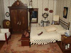casitas de muñecas miniaturas - Buscar con Google Miniature Chair, Miniature Rooms, Miniature Crafts, Miniature Furniture, Dollhouse Furniture, Primitive Bedroom, English Decor, Victorian Dollhouse, Barbie Furniture