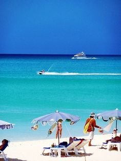 Karon Beach, Phuket, Thailand - Travel tips for Phuket: http://www.ytravelblog.com/what-to-do-in-phuket-thailand/