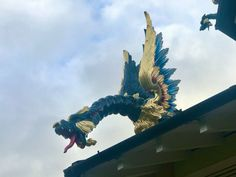 The Dragon of Pagoda in Kew Garden and Lotus Pond | 龍之塔 Goldfish Bowl, Lotus Pond, Dragon Design, Kew Gardens, Saint George, Freedom Of Movement, Lonely Planet, Time Travel, Lion Sculpture