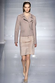 Max Mara Fall 2011 Ready-to-Wear Collection Slideshow on Style.com